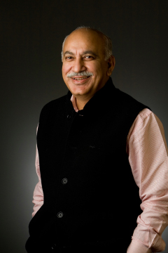 Photo Courtesy of Mr MJ Akbar and The Walkley Foundation